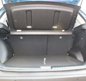 Hyundai Creta 2021, interior trunk view with cargo cover