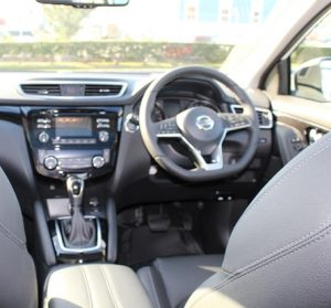 Nissan Qashqai website interior driver view