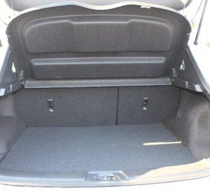 Nissan Qashqai website interior trunk view