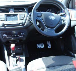 Hyundai i20 active website interior driver view